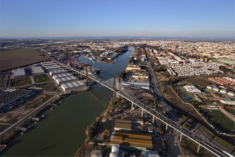 空中桥梁百年第五个塞维利亚视图 库存图片