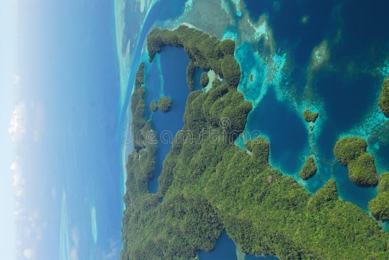 空中海岛密克罗西亚岛视图 免版税库存图片