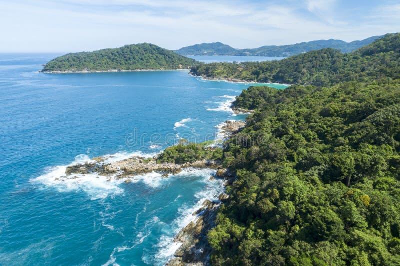 空中热带海寄生虫概略的视图照片有美丽的海岛的 库存图片
