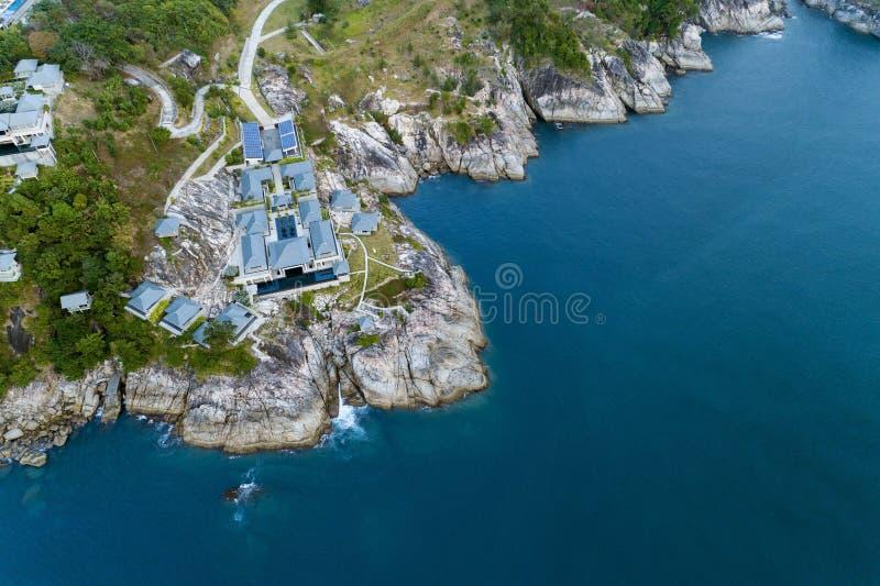 空中现代别墅寄生虫概略的视图照片在山海滨胜地的 库存图片