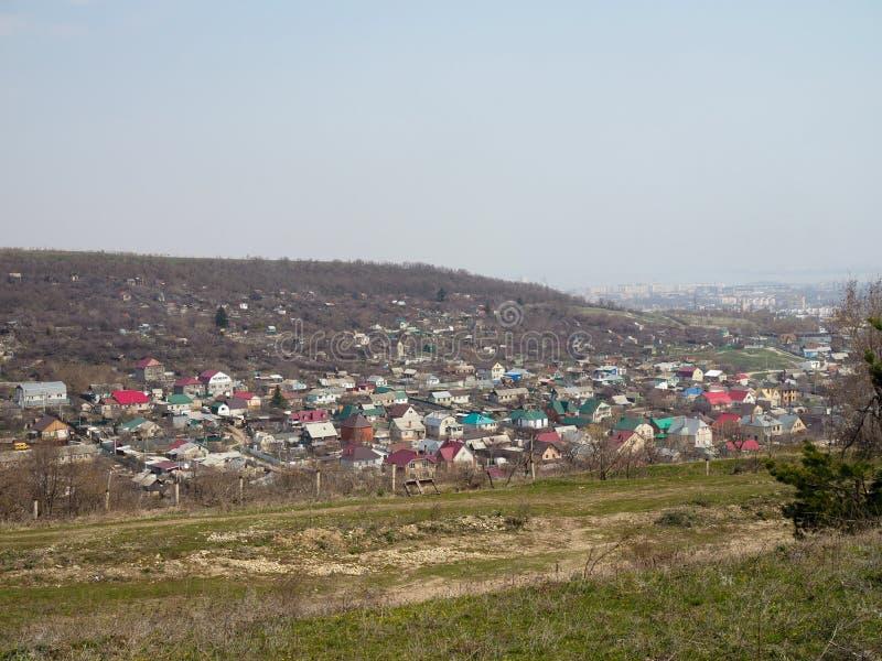 空中美丽如画的村庄寄生虫全景照片  免版税库存照片