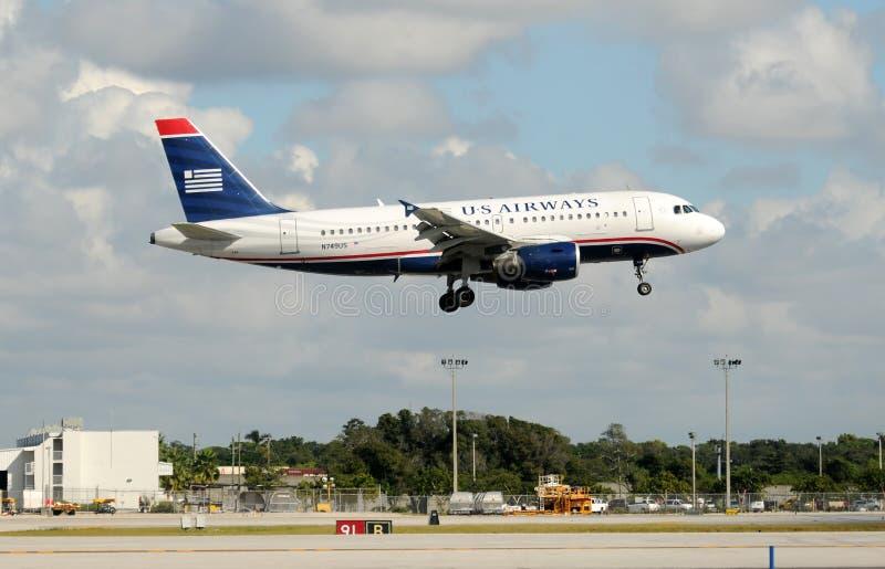 Download 空中航线喷气机着陆我们 图库摄影片. 图片 包括有 喷气式飞机, 飞机, 旅行, 如同, 运输, 着陆, 喷气机 - 22355067