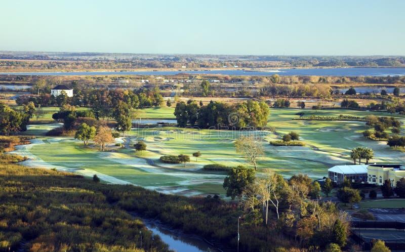 空中路线高尔夫球视图 免版税库存图片