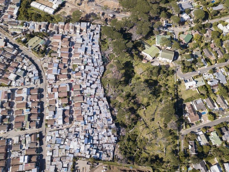 空中顶上的乡和中产阶级房子在南非 库存照片