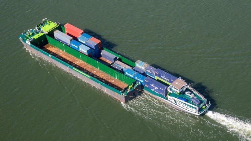 空中驳船运输货柜船 免版税库存照片