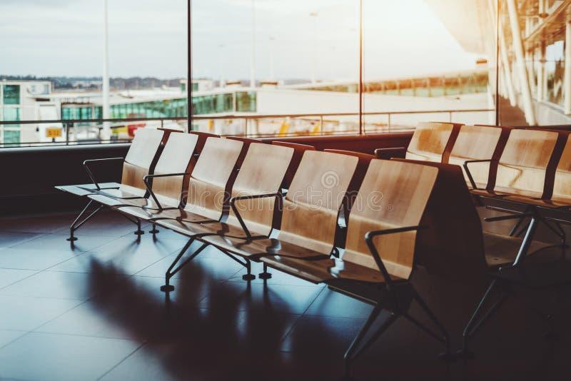 空位行在机场候诊室 免版税库存照片