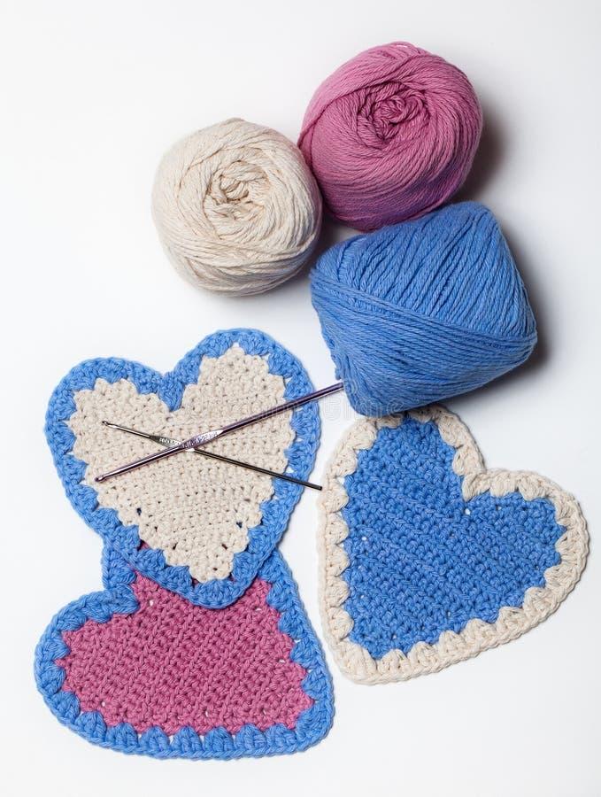 空白桃红色蓝色钩针编织被编织的重点 免版税库存图片
