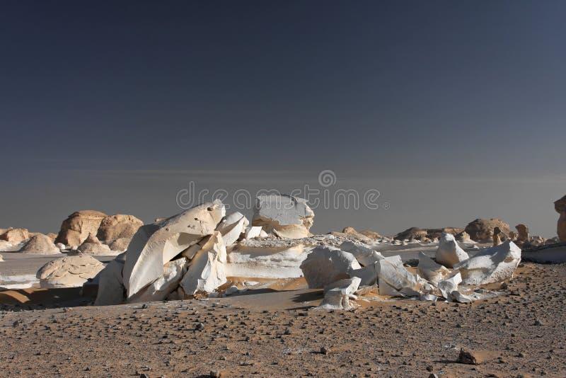 空白沙漠利比亚的岩石 库存照片