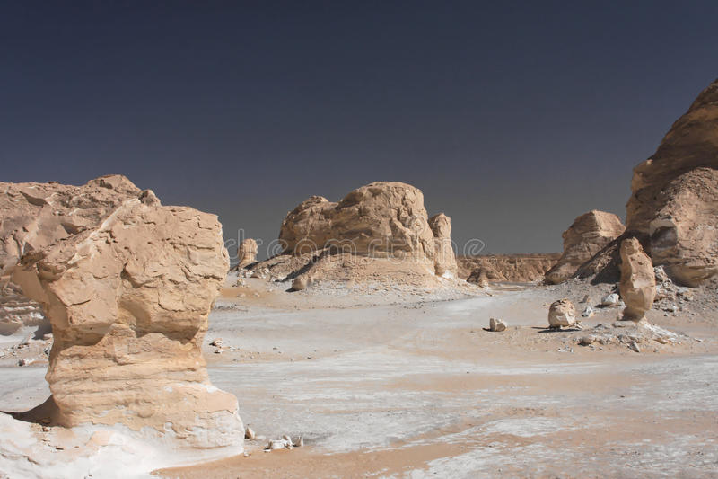 空白沙漠利比亚的岩石 图库摄影