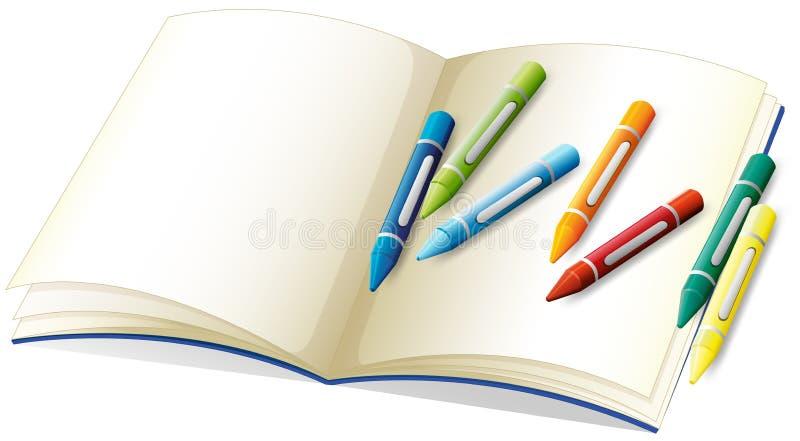 空白的书和许多蜡笔 皇族释放例证