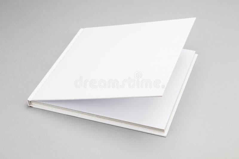 空白的书白色盖子8,5 x 8,5寸 免版税库存图片