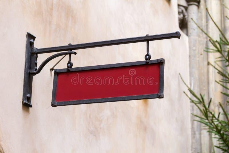 空白的大模型铁葡萄酒街道牌 免版税库存图片