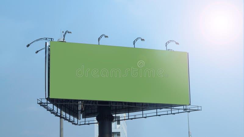 空白的广告牌大号为户外广告 免版税库存图片