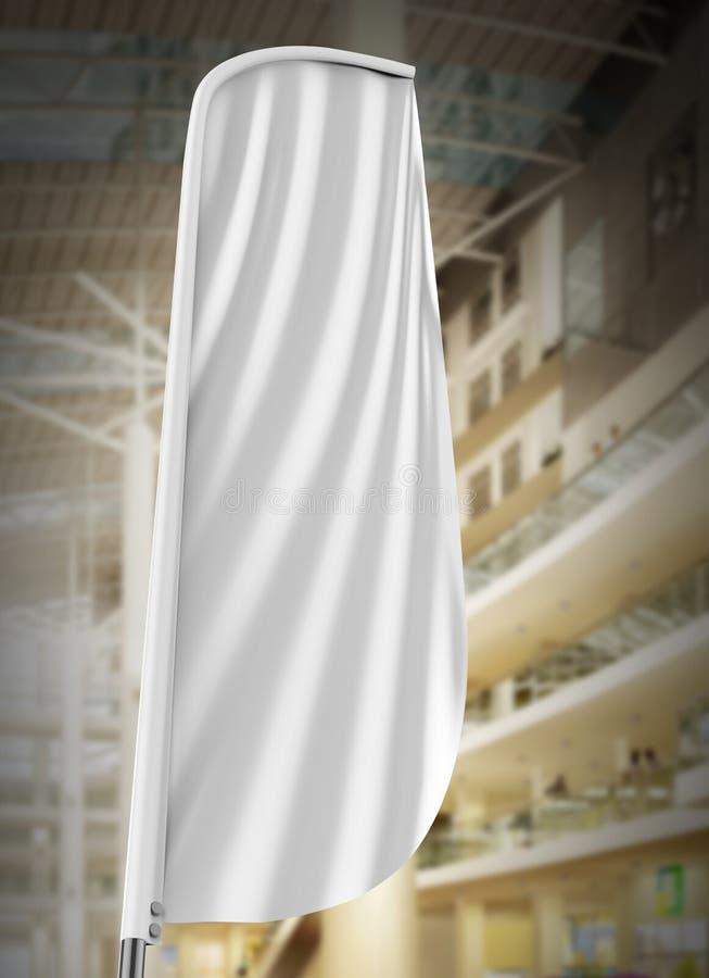 空白的白色凸面羽毛旗子户外广告盾旗子横幅或垂直的风横幅嘲笑在购物中心隔绝的模板 皇族释放例证