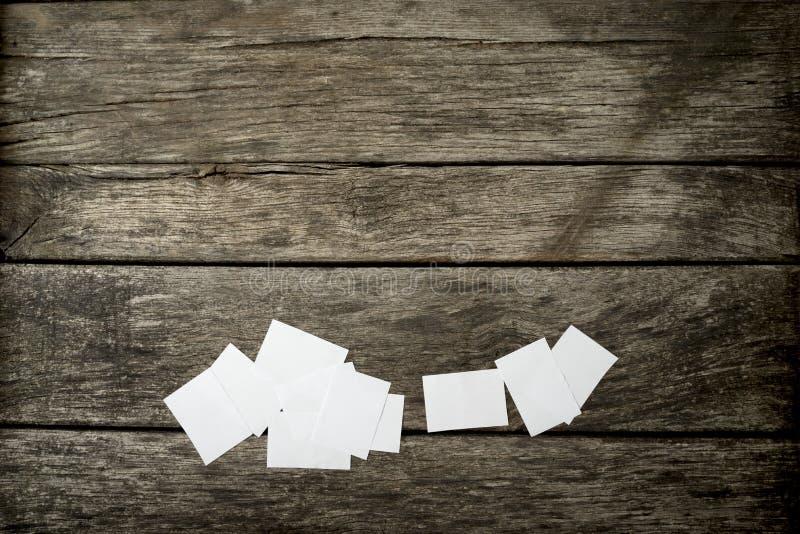 空白的白色备忘录笔记顶视图  库存照片