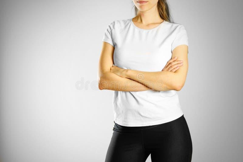 空白的白色T恤杉的一个女孩 为您的商标做准备 库存照片