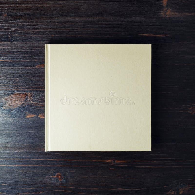 空白的精装书小册子 库存照片