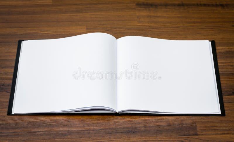 空白的编目,杂志,书嘲笑 库存照片