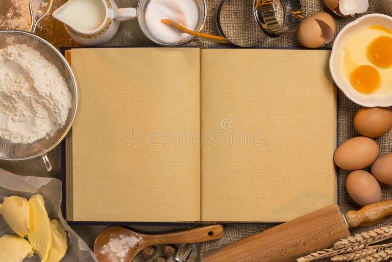 空白的食谱书-烘烤-文本的空间 免版税库存照片