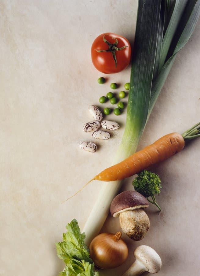 空白背景新鲜的庭院混杂的蔬菜 库存图片