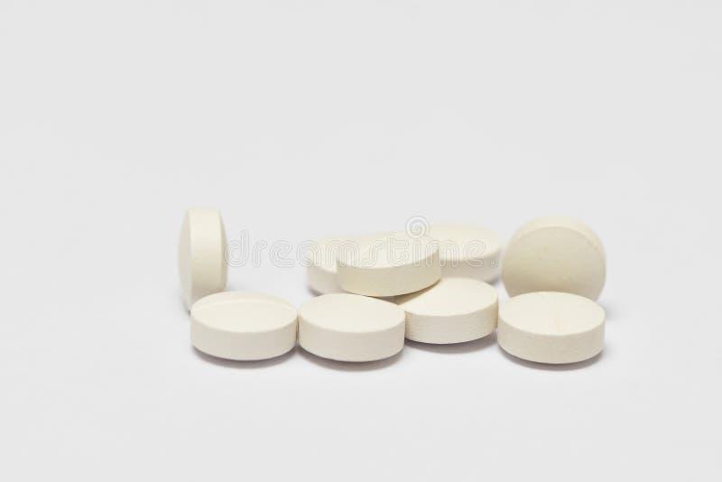 空白背景的药片 库存图片