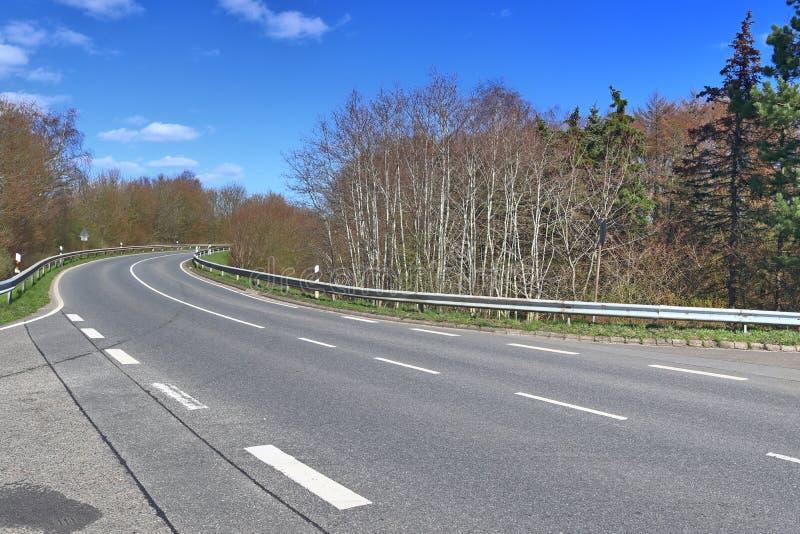 空的乡下公路和街道在德国在一好日子 库存照片