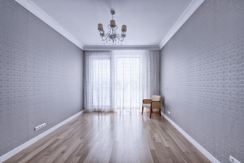 空的内部在现代房子里 免版税库存图片