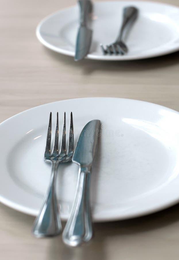 Download 空的刀子牌照匙子表 库存图片. 图片 包括有 吃饭的客人, 厨房, 刀子, 美食, 对象, 服务, 直接地 - 22350257