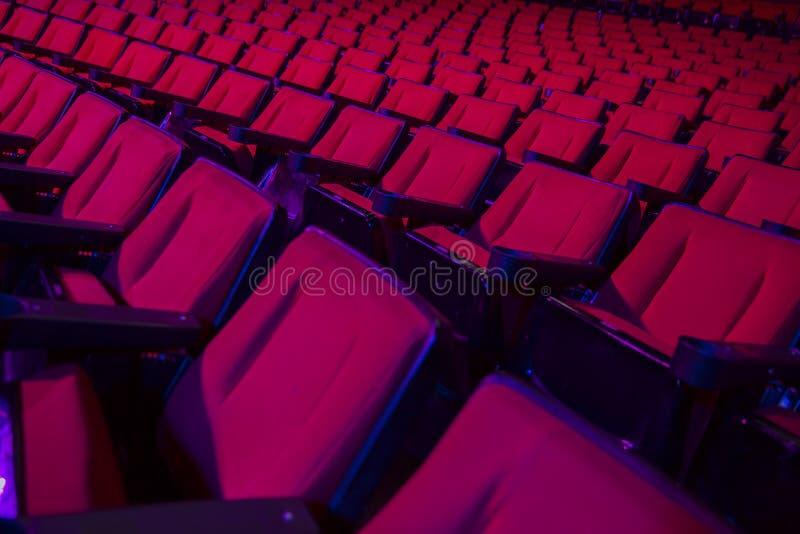 空的剧院位子行  库存图片