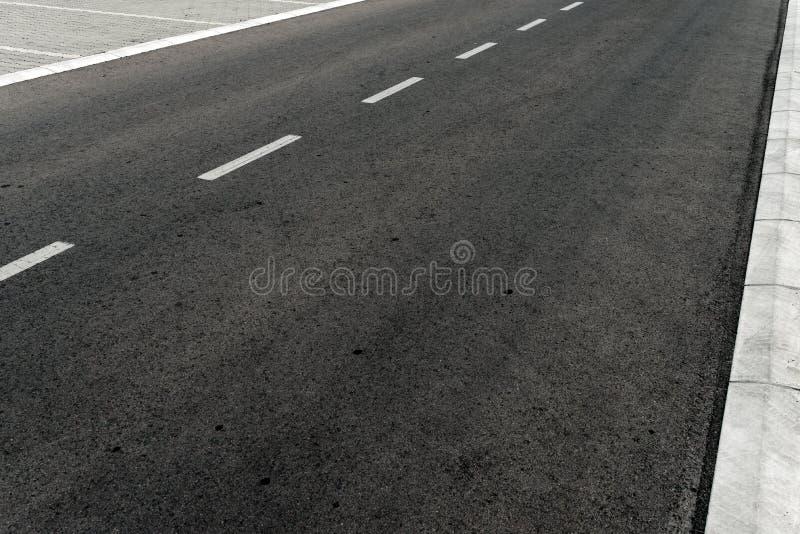 空的双线道柏油路高速公路 图库摄影