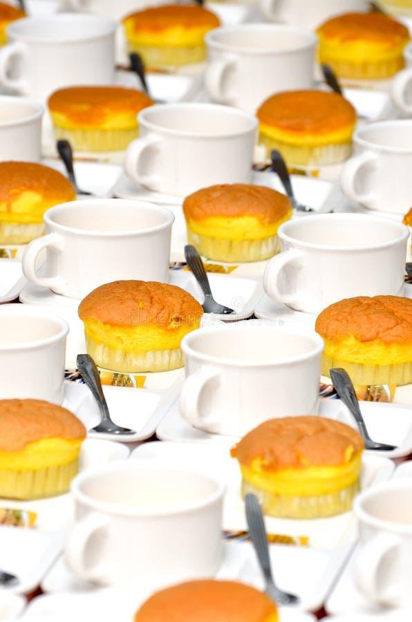 空的咖啡和蛋糕 免版税库存照片
