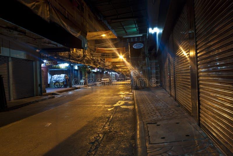 空的夜街道 免版税库存照片