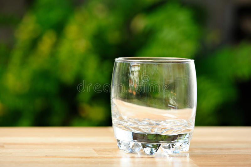 空的威士忌酒玻璃 库存照片
