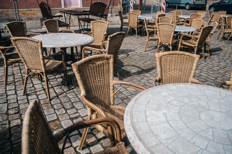 空的室外咖啡馆看法在巴德本泰姆 库存照片