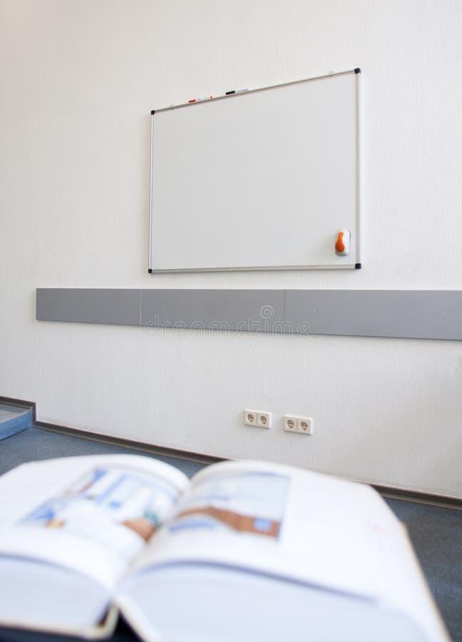 Download 空的教室 库存图片. 图片 包括有 钉书匠, 教室, 结算, 商业, 教育, 选件类, whiteboard - 15692879