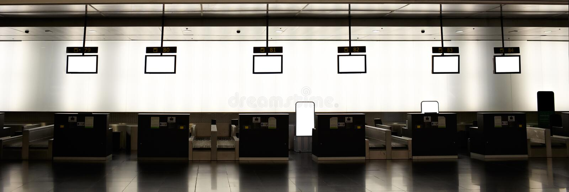空的机场报到 免版税库存图片