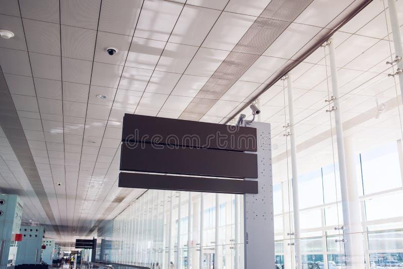 空的机场板 登记 免版税库存照片