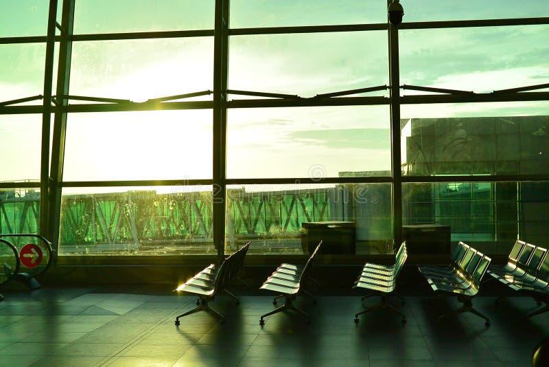 空的机场,充满等待或飞行的感觉  库存照片