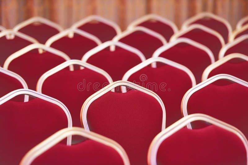 空的椅子在会议和事件室 免版税库存图片