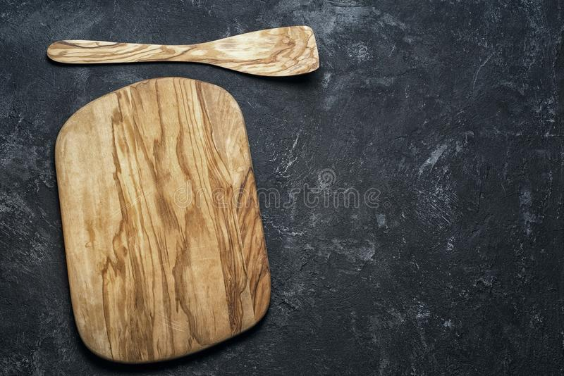 空的橄榄色的木切板 图库摄影