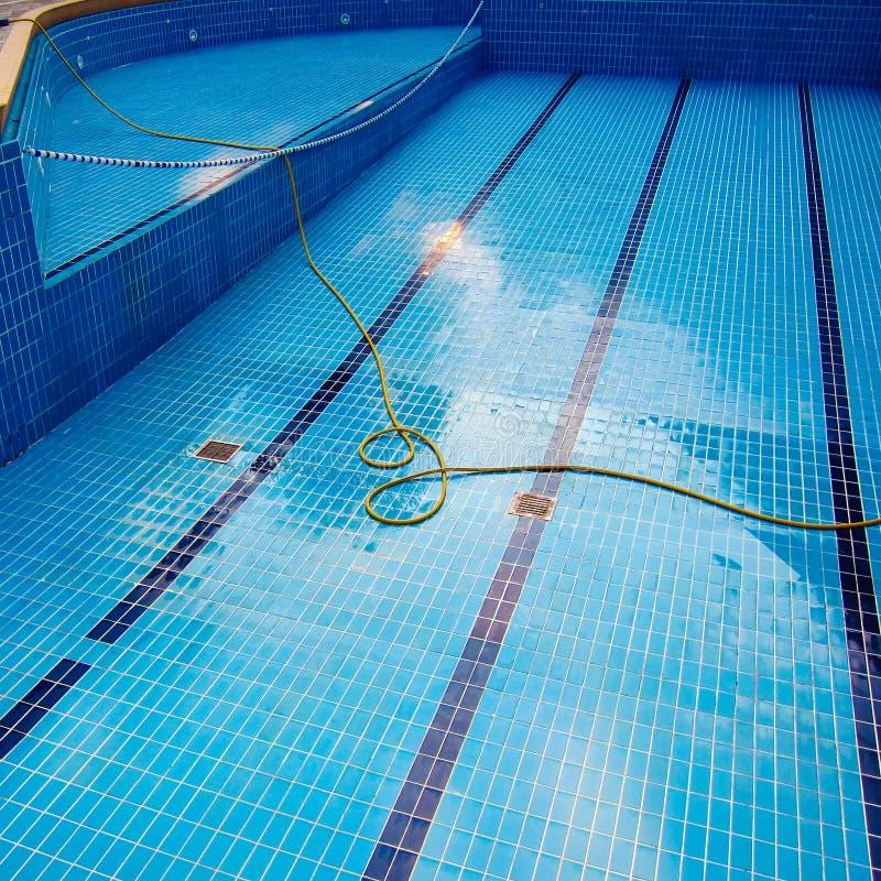 空的游泳池 免版税库存照片