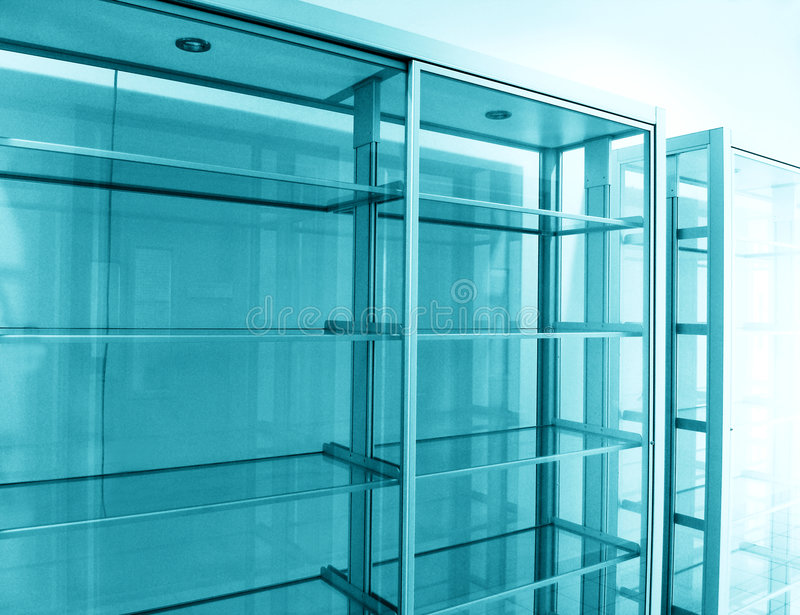 空的玻璃架子 库存照片