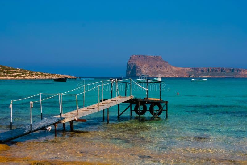 空的码头在克利特的,希腊Balos盐水湖 图库摄影