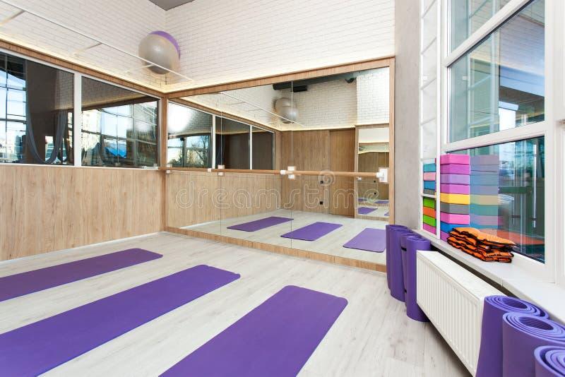 空的空间在健身俱乐部 免版税图库摄影