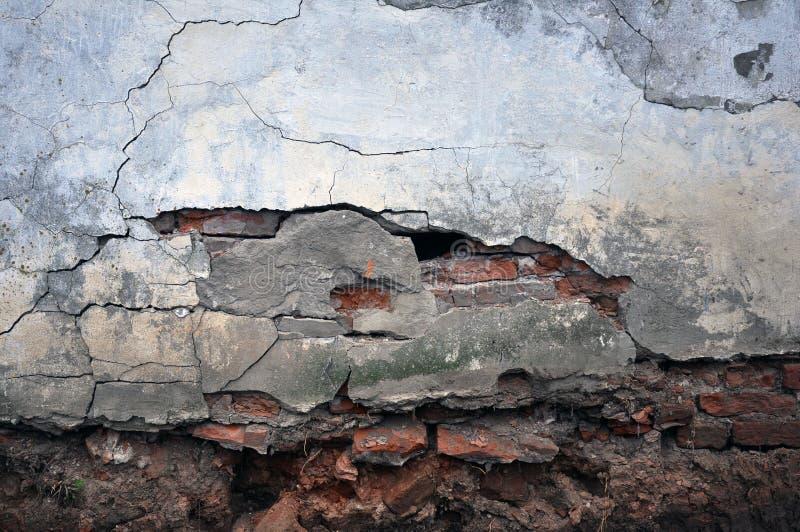 空的老砖墙纹理 被绘的困厄的墙壁表面 E 免版税库存照片