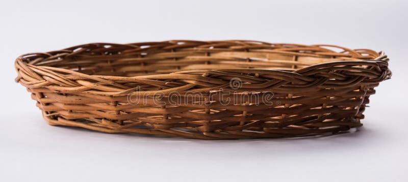 空的藤茎篮子或tokri在北印度语和topli在马拉地语 库存图片