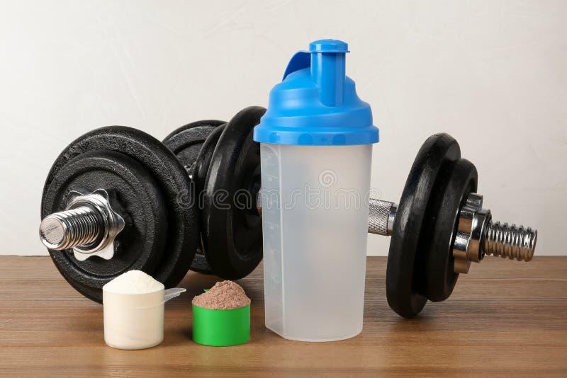 空的蛋白质震动体育瓶,瓢 库存照片