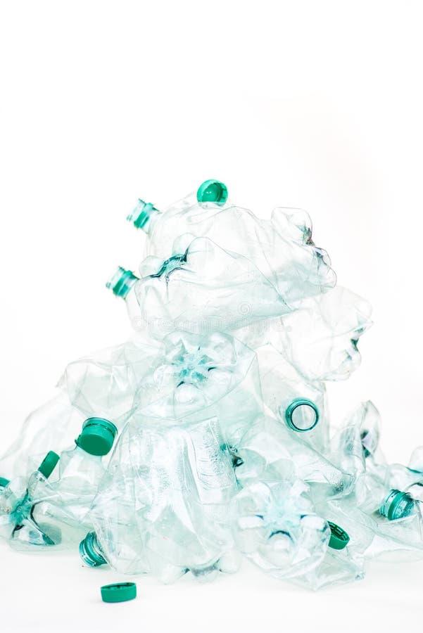 空的被弄皱的塑料瓶堆  免版税库存照片