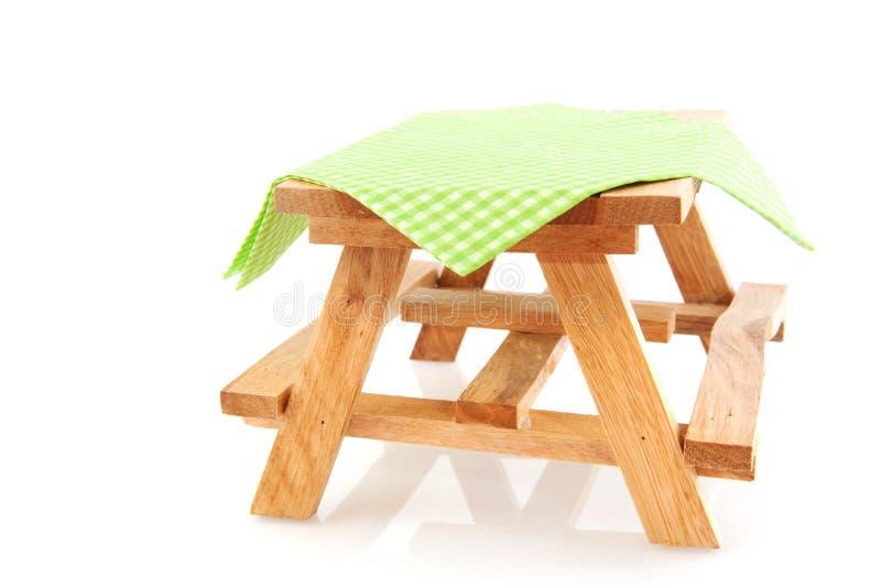 空的野餐桌 库存图片