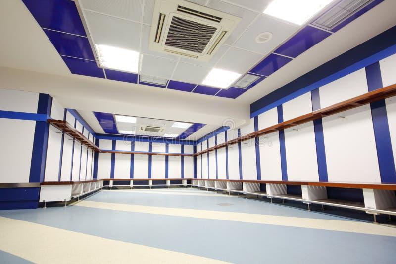 空的更衣室在圣地亚哥Bernabeu体育场内 库存图片